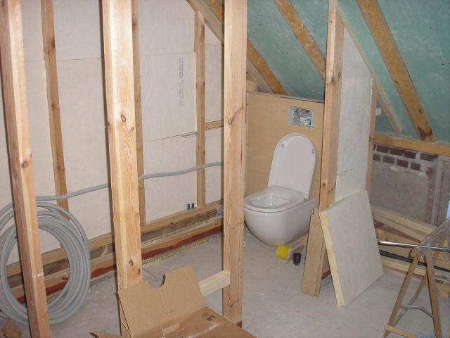 Logboek badkamer - Idee outs kamer bad onder het dak ...